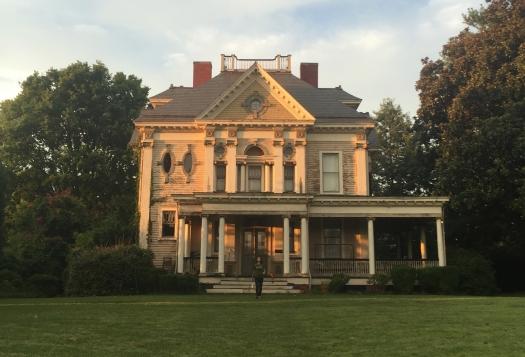 Grave's House